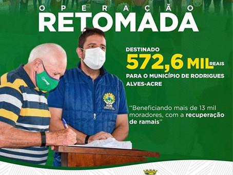 Sebastião assina convênio com Estado que beneficiará 13 mil famílias com recuperação de ramais