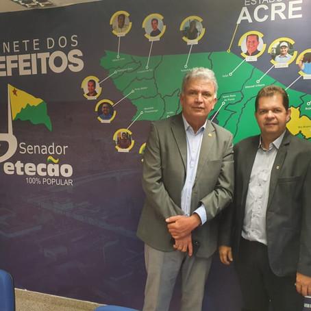 Prefeito cumpre agenda em Brasília em busca de recursos e informações sobre royalties do petróleo