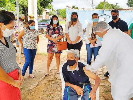 Prefeitura de Senador Guiomard dá inicio à imunização de idosos a partir de 90 anos