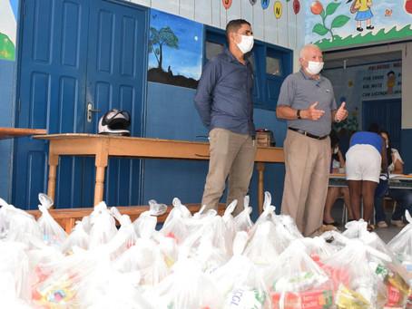 Prefeitura de Rodrigues Alves inicia entrega de kits escolares
