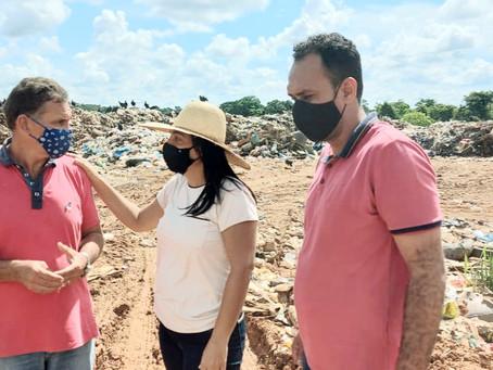 Rosana Gomes inspeciona lixão de Senador Guiomard e determina novas medidas para melhoria do local