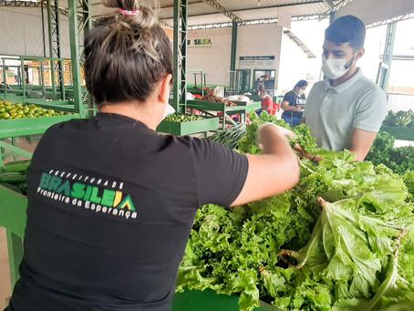 Prefeitura de Brasiléia realiza entrega de produtos do PAA a instituição e famílias do aluguel