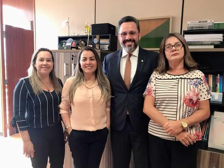 Prefeita Fernanda Hassem vai a Brasília em busca de recursos para o  município