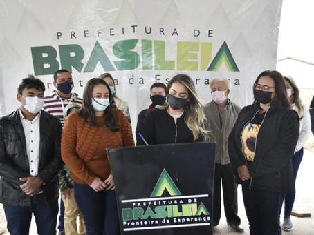 Prefeita Fernanda Hassem assina ordem de serviço para construção da Biblioteca Publica