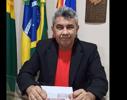 Prefeito Bira orienta as pessoas ao cuidados contra a covid-19 e as novas cepas