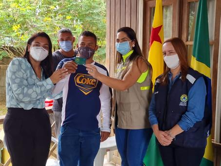 Prefeitura do Quinari recebe cartões do Programa Auxilio do Bem do governo do Estado