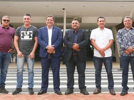 Prefeito André Maia viaja ao Perú em busca de livre comércio