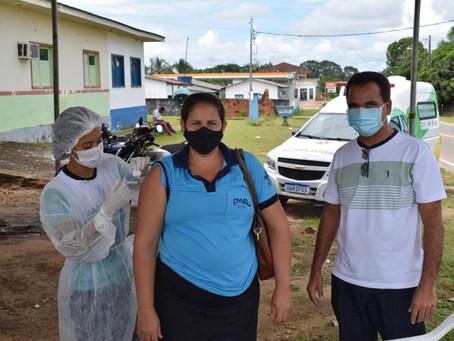 Prefeitura de Rodrigues Alves realiza imunização contra a Covid-19 em idosos a partir de 65 anos