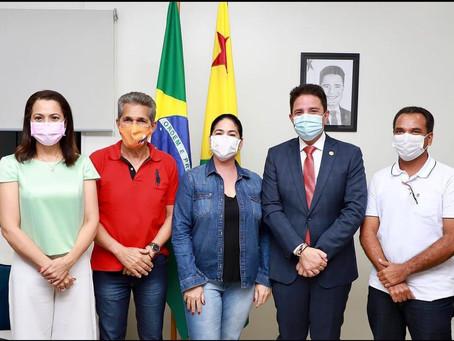 Prefeito Jailson Amorim se reuni com Governador e recebe garantia de investimentos para o município