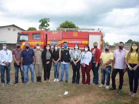 Vereadores participaram da visita ao terreno doado pela prefeitura para construção do 10º batalhão