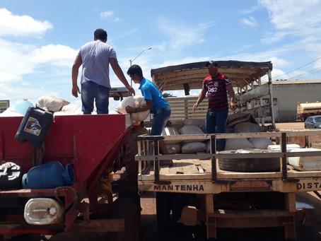 Prefeitura auxilia agricultores na colheita e no escoamento da produção