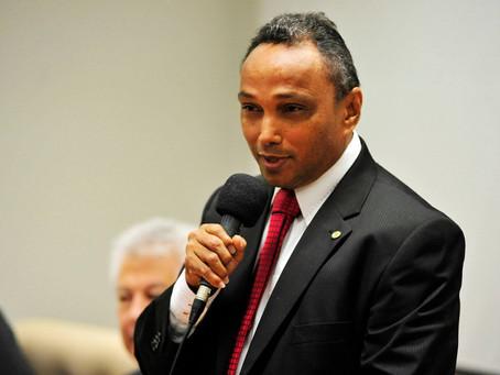 Secretário da Indústria e Comércio expõe investimentos do governo para os vereadores
