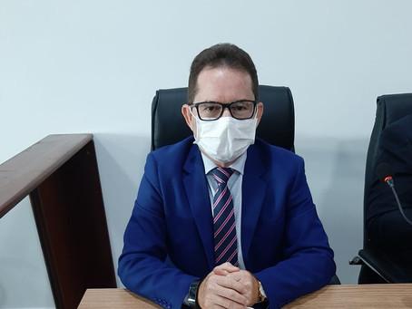 Vereador Lauro Benigno aplaude grupo de doação e reivindica limpeza de igarapé