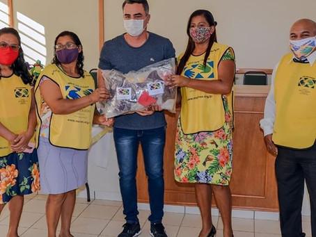 """Prefeitura recebe doação de 1,2 mil máscaras de tecido fabricadas pelo projeto """"mãos que ajudam"""""""