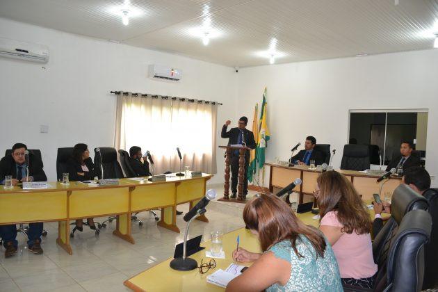 Reunidos extraordinariamente por deliberação das Comissões, bancadas partidárias e da Mesa Diretora os vereadores avaliaram todas as matérias em regime de urgência.
