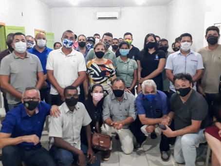 Prefeito Padeiro recebe comitiva da articulação política do Governo e lideranças municipais