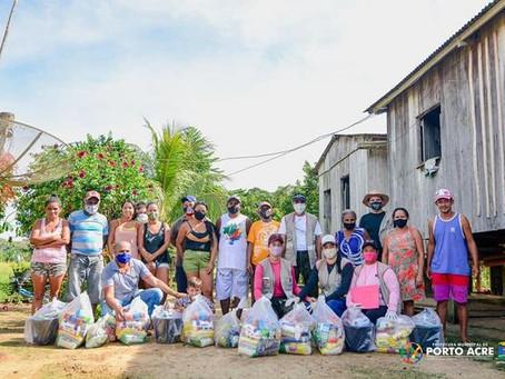 Prefeitura distribui donativos as famílias