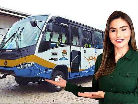 Manoel Urbano recebe micro-ônibus adaptado para assistência aos idosos e deficientes