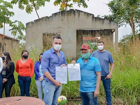 André Maia assina ordem de serviço para concluir nove casas populares para beneficiar o povo