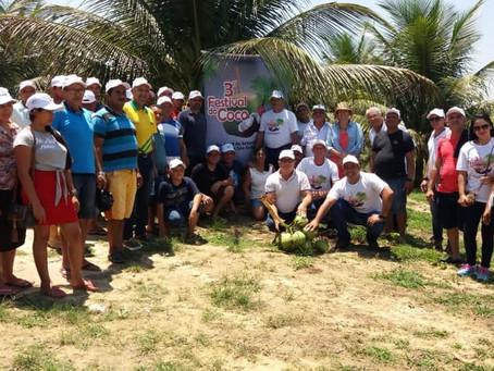 Prefeitura de Mâncio promove dia de campo para ensinar técnicas de cultivo do coco a produtores