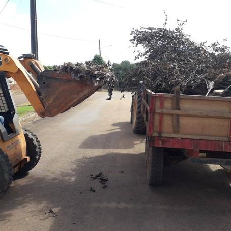 Prefeitura de Acrelândia avança na limpeza pública e conservação do município