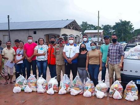 Prefeitura entrega 100 cestas básicas a famílias atingidas pela enchente
