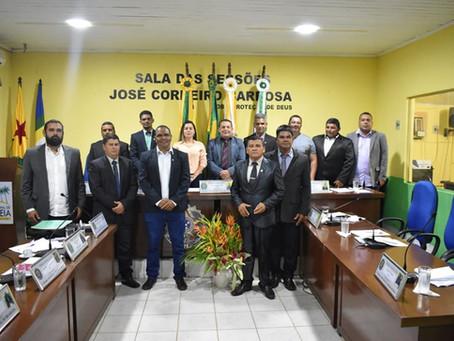 Prefeita de Brasiléia, participa da 1° Sessão da Câmara de vereadores  do ano de 2020