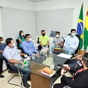 Prefeito Manoel Maia busca melhorias para o município