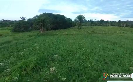 Prefeitura auxilia produtores rurais na colheita e escoamento da produção