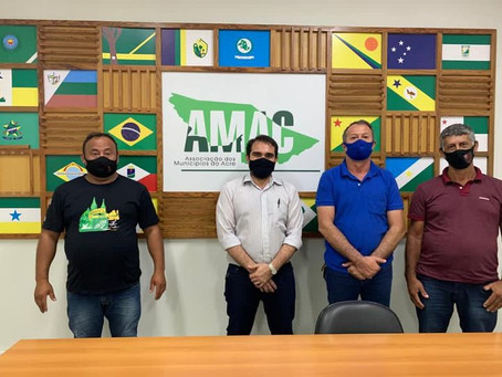 Prefeito Olavinho Boiadeiro busca informações para participar do consórcio para aquisição de vacinas