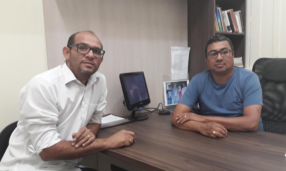 Prefeito Elson Farias (PC do B) e Marcel Ritler (Secretário de Finanças)