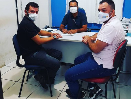 Prefeito Jailson Amorim despacha com secretários e liderenças