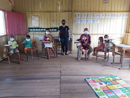 Alunos da Rede Municipal de Ensino da Zona Rural recebem as Atividades Impressas