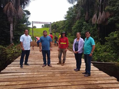 Prefeitura de Mâncio Lima recupera e constrói pontes com recursos próprios