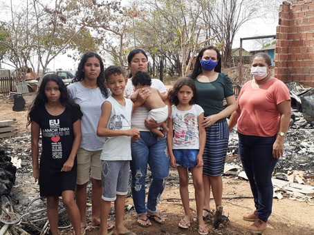 Prefeitura busca ajudar para família que teve imóvel destruído pela chama