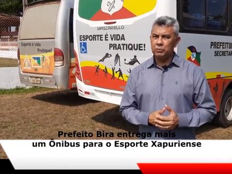 Prefeito Bira Vasconcelos entrega micro-ônibus para beneficiar o esporte Xapuriense