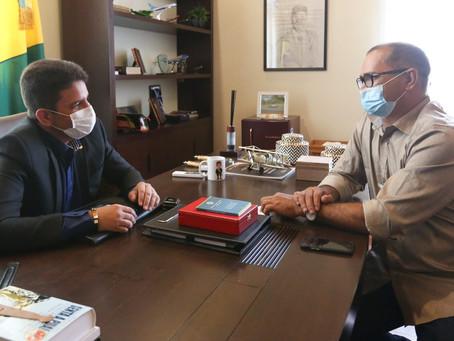 Prefeito de Manoel Urbano se reúne com Governador Gladson Cameli