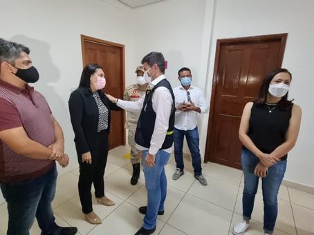 Prefeita Rosana Gomes recebe governador Gladson Cameli e senadora Mailza Gomes para anúncio de obras