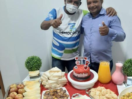 Servidores da Câmara promovem momento surpresa em comemoração ao aniversário do presidente Raquel