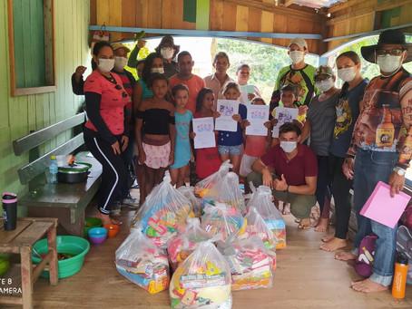 Prefeitura realiza ação solidária nas comunidades ribeirinhas e distribui sacolões