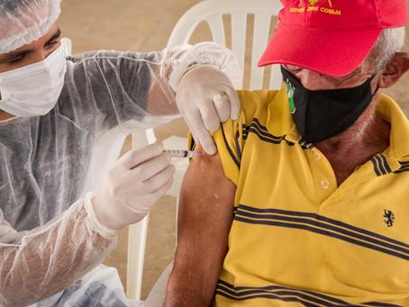 Brasiléia ultrapassa 70% de cobertura vacinal contra a covid-19 em idosos e profissionais da saúde