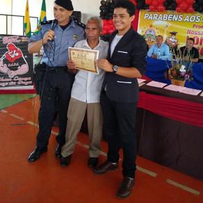 Prefeito Zezinho Barbary agradece Polícia Militar por capacitação das crianças no PROERD