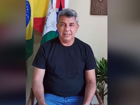 Prefeito Bira Vasconcelos, anuncia reabertura das igrejas e templos religiosos