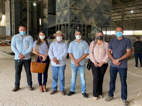 Vereadoras Williane Jardim e Leire do Mixico apoiam os produtores rurais