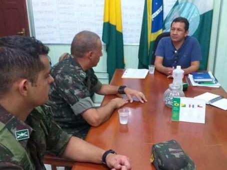 Prefeito de Marechal Thaumaturgo paralisa transportes aéreo e fluvial para evitar chegada Covid-19