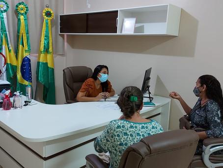 Prefeita Rosana Gomes recebe representantes da Associação de Trabalhadores em Reciclagem de Resíduos