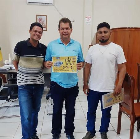 Prefeito Kiefer Cavalcante recebe jovens para dialogar sobre o 3º Manifesto Cultural de Feijó