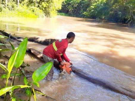 Prefeitura de Mâncio Lima proporciona trafegabilidade segura para ribeirinhos