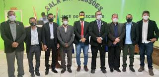 Prefeito Tanízio Sá, vice Toscano e vereadores eleitos, são diplomados em Manoel Urbano