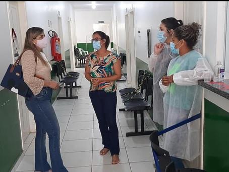 Vereadora fiscaliza o Centro Ilson Ribeiro e conversa com profissionais para propor melhorias